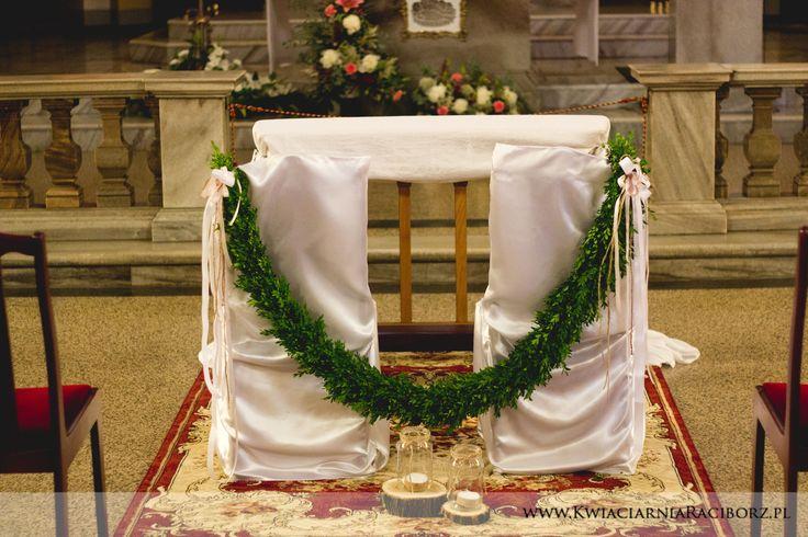 Strojenie kościoła krzesła bukszpan