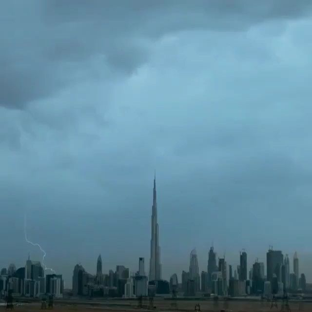 #architecturedose LIGHTNING IN DUBAI  Video by: @faz3 Make sure to follow ( @architecturedose ) __________ #dubai #lightning #weather #blitz #dubailife #videostar #amazing #awesome #adventurevisuals #videodesign #followus #instdesign #videographer #follow #epic #architectureporn #igersdubai #dubailifestyle #earthpix #videoshow #video #travel #epicviews #adventuretravel #photooftheday #skyscraper #videooftheday #burjkhalifa - Architecture and Home Decor - Bedroom - Bathroom - Kitchen And…