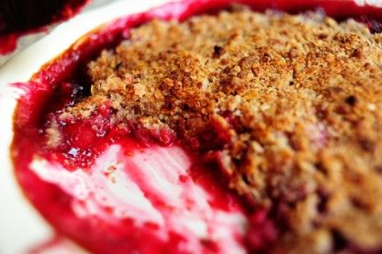 Raspberry Crisp | The Pioneer Woman Cooks | Ree Drummond// This recipe turned out great!! Used her advice about the sweetness of the filling & only added 1/2 c. sugar--it was perfect!