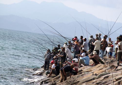 Fishing pole at Aceh sea! #fishing #fish #fisherman #indonesia #aceh #travel #mancing