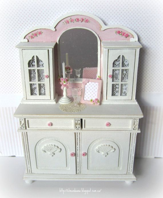 Dresser Hand painted with accessories for dollhouses. scale 1.12