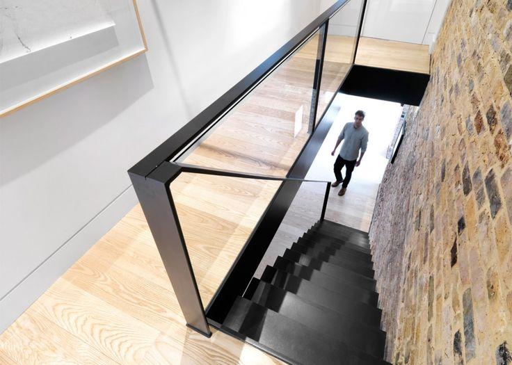 Voormalige winkel in Oost-Londen omgetoverd tot huis én gallery - Roomed