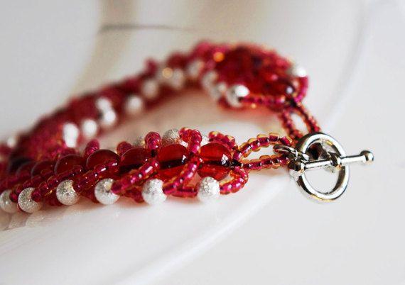Bracelet tissé  Bracelet rouge  Bracelet par RoseCreationsBoutik
