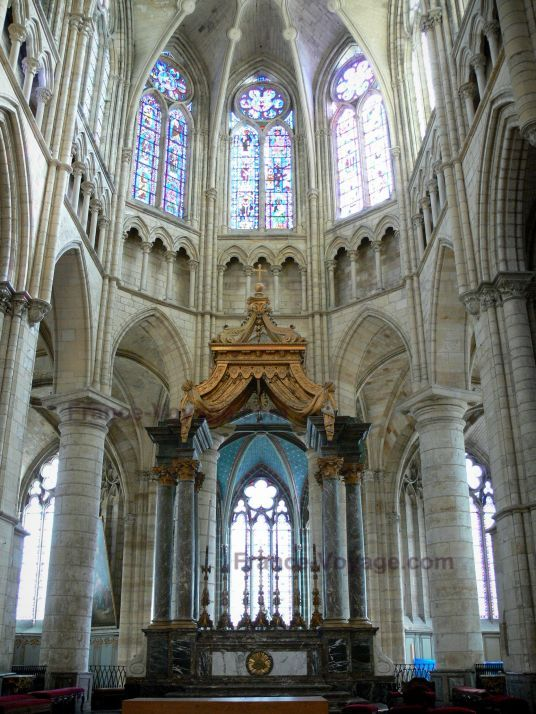 Ch lons en champagne int rieur de la cath drale saint for Interieur france
