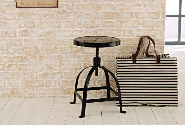 ber ideen zu industrie stil hocker auf pinterest hocker industriell und barst hle. Black Bedroom Furniture Sets. Home Design Ideas