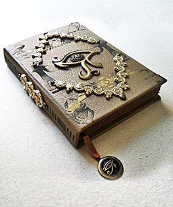 Grimórios, Livros das Sombras, Altares e Acessórios para Rituais.