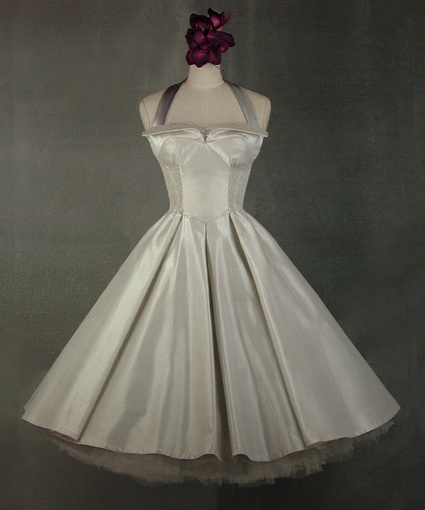 Belle Epoch 50s Style But As The Bridesmaids Dresses