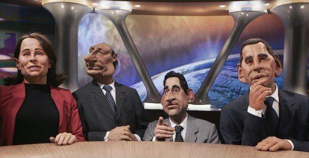 Le Parisien a révélé le 25 juillet 2015 que Lionel Dutemple, Julien Hervé, Philippe Mechelen et Benjamin Morgaine, les 4 auteurs historiques des Guignols, avaient été virés.   La lettre de résiliation coup de gueule à Canal   après le départ des auteurs des Guignols - BuzzFeed News