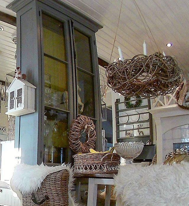 #rustic #chalkpaint #maison #countrystyle #joinery #country #rustiikki #uusvanha #cottage #decorating #interior #kaappi #cabinetry #cabinet #bespoke #displaycabinet #vitriinikaappi #cupboard #skåp #kalkkimaali #furniture #maison #carpentry #carpenter #sisustus #snickeri #maalais #vitriinikaappi #mittatilauskalusteet