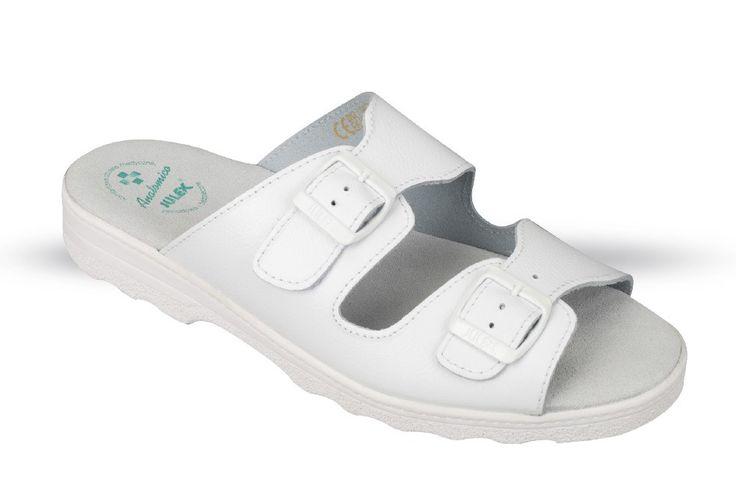 szandál OM2 fehér,fekete méret:39-50, (csak kereskedőknek,előrendelésre kapható)