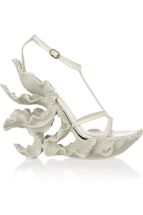 Alexander McQueen - I know it's unrealistic but can you imagine these as bridal shoes? Ooohhhhhh....
