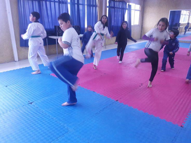 Taller de taekwondo, dirigido a todos nuestros alumnos de primero básico a tercero medio. #CDSHumanistaChillán  #HumanistaChillán #CDSChillán