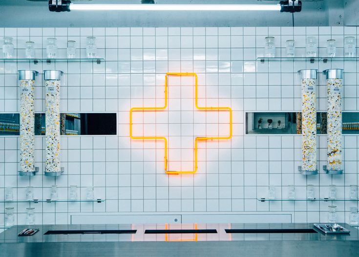 Laboratory-like shop serves vitamins to junk food lovers