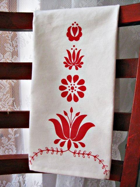 Kalocsa virágai: piros konyharuha.
