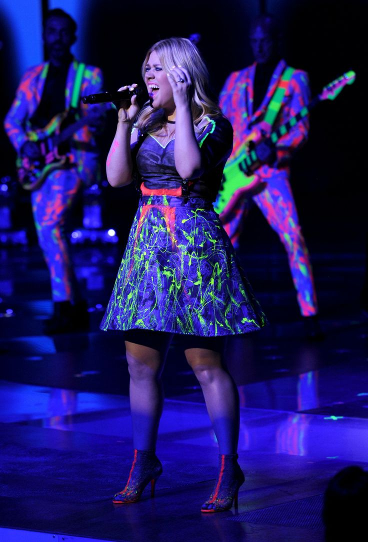1000 images about all about kelly clarkson on pinterest for Kelly clarkson wedding dress replica