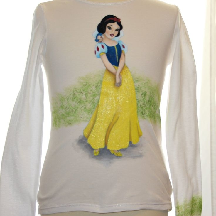 Hand painted girl's t shirt, featuring Snow White. The colors are non-toxic, water based, permanent fabric colors.