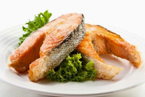 1.  Перед обработкой рыбы, поместите ее в посуду с водой, если рыба тонет она свежая, если нет, то откажитесь от приготовления данного п...
