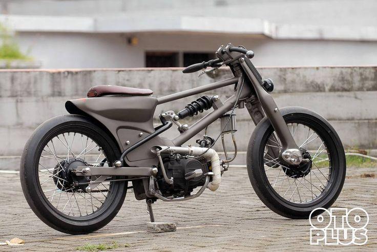 Selamat berbuka puasa hari pertama... Selamat menikmati sebuah karya dari bengkel @jigsaw_motorcyecles Makassar #tabloid #otoplus #otoplusmagz #otoplusmagazine  Online