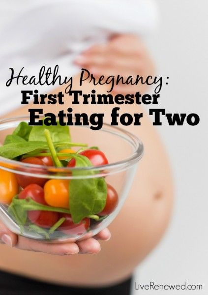 Pregnant and struggling with morning sickness and fatigue in the first trimester but you still want to eat as healthy as you can? Here are simple tips and tricks for managing food and eating healthy during the first trimester of pregnancy.