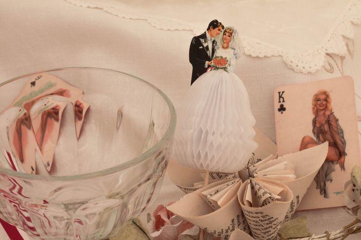 #tabledecor #wedding #vintage Paper bride and Groom Photography by Ana Bohane https://www.facebook.com/abweddings Wedding Planner/Decoration Sophie Lopez