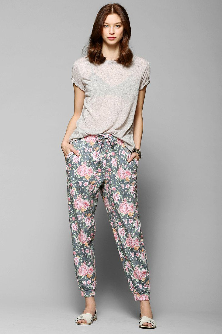 Pins And Needles Floral Sweatpant - Urban Outfitters