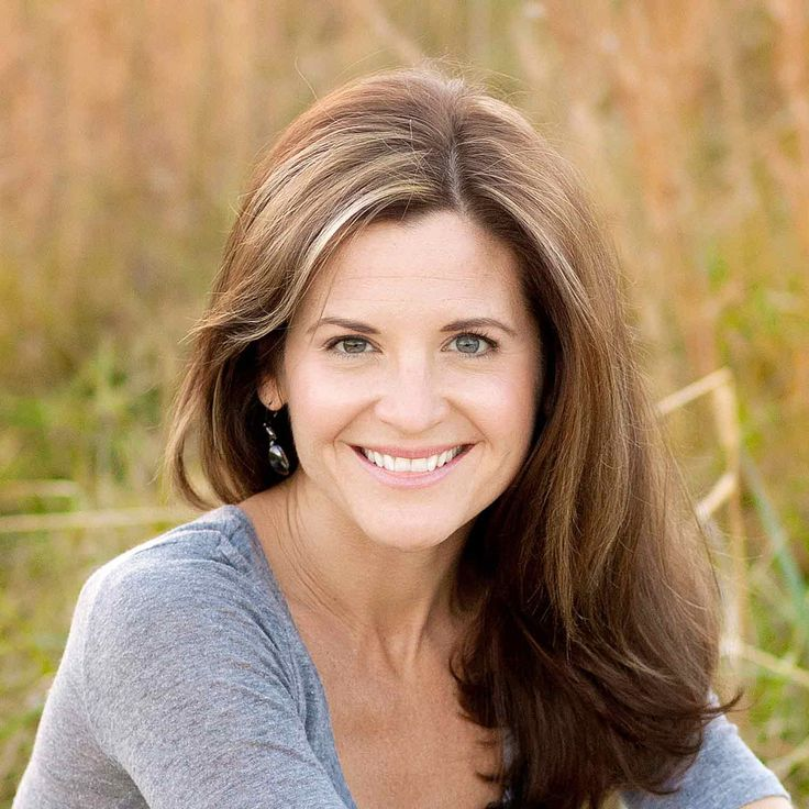 On Sunday, Oct. 4, Melton, author of the popular blog Momastery and the New York Times best-seller Carry On, Warrior: The Power of Embracing Your Messy, Beautiful Life. Glennon Doyle Melton seeks to help people understand that everyone deals with struggles in life, but with faith and community they can get through them together.