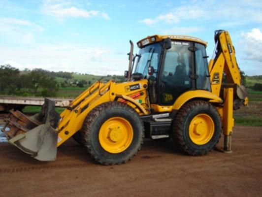 This is the most complete Service Repair Manual for the JCB 3CX, 4CX, 214, 215, 217 Backhoe Loader.Service Repair Manual can come in handy especially when