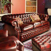 Sofá chesterfield / em couro / de 3 lugares / vermelho