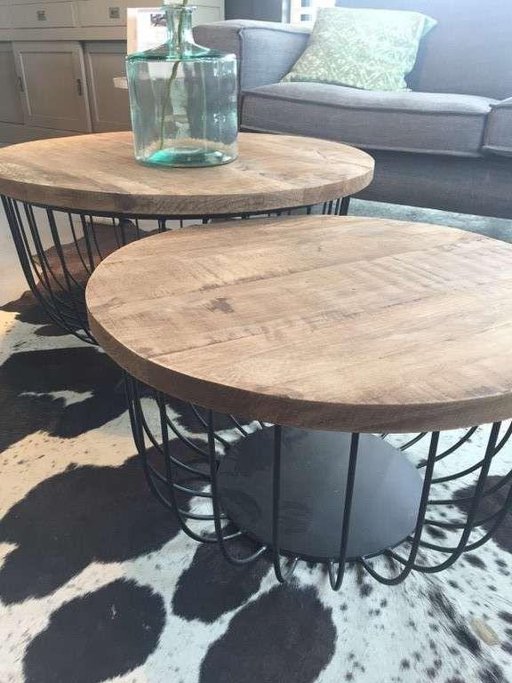 Couchtisch Eva 2er Set Aus Holz Mango Und Metall Couchtisch Couchtisch Modern Tisch