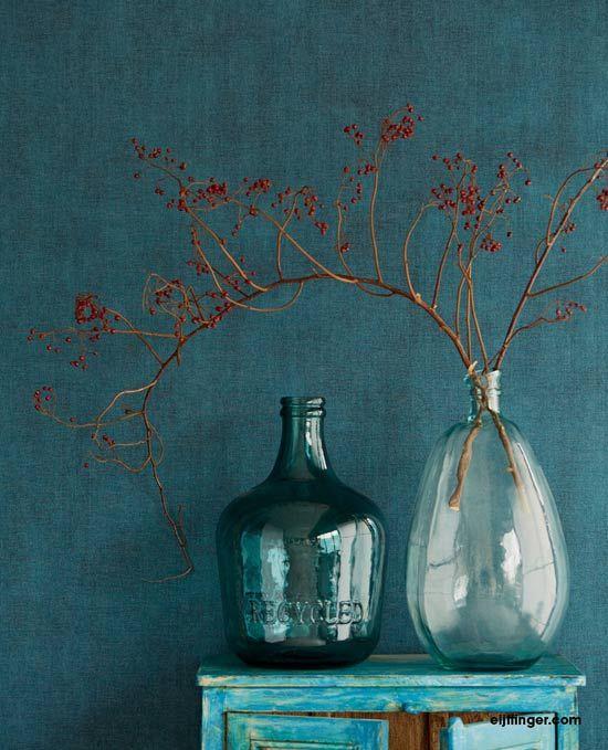 Nieuw: Eijffinger Lino - Wallpowers met prachtige schermbloemen, een lommerrijk bospad, een oneindige lucht en zee en stoer verweerd canvas. #behang #wallpaper #eijffinger #interieur