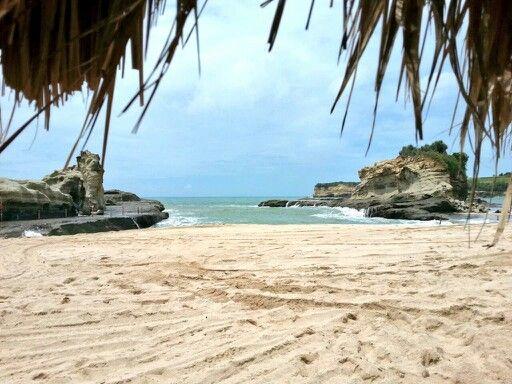 Pantai Klayar, Pacitan Jawa Timur #travelerdadakan #indonesia #TDI #explorepacitan
