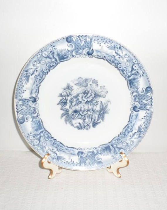 Vintage 9.5 Inch Dinner Plate/Vintage Blue n White Milk Glass