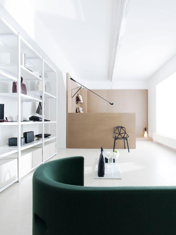 The New Tsatsas Atelier and Showroom in Frankfurt am Main, Germany. Photo © Gerhardt Kellermann, Munich.https://www.yatzer.com/tsatsas-atelier