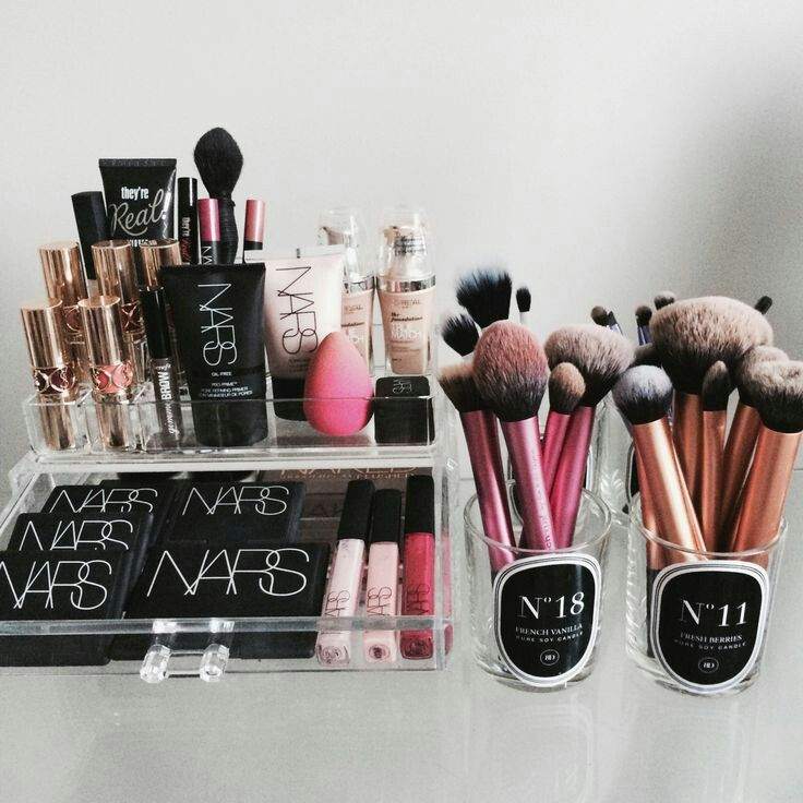 #collection #makeup #nars #beutyblender #realtechniques #brushes