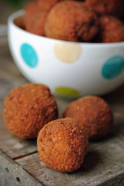 """Het lekkerste recept voor """"Vegetarische bitterballen"""" vind je bij njam! Ontdek nu meer dan duizenden smakelijke njam!-recepten voor alledaags kookplezier!"""