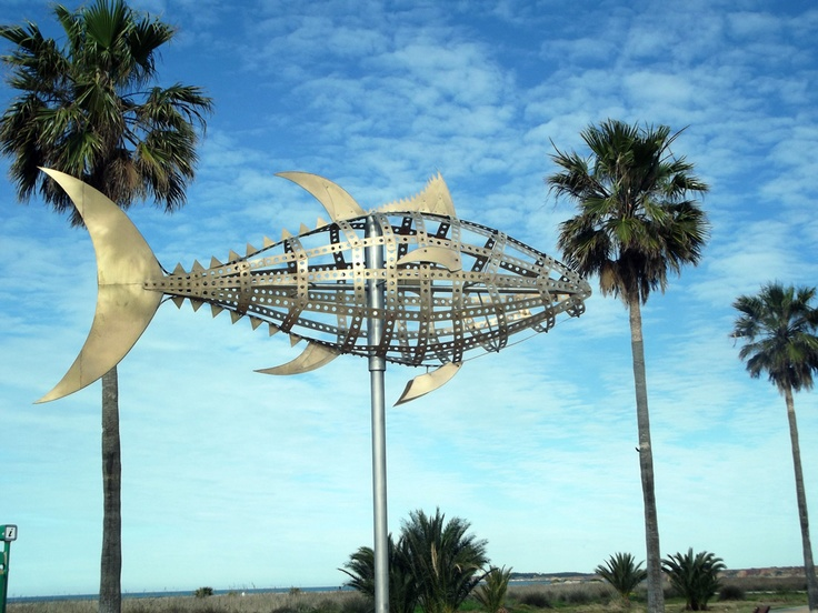 Monumento del Atún en el Paseo Marítimo de Conil
