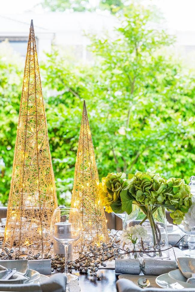 Christmas styling shoot - by me and Metricon http://thelifecreativeblog.com/outdoors/videos-3-christmas-table-setting-ideas-rock/