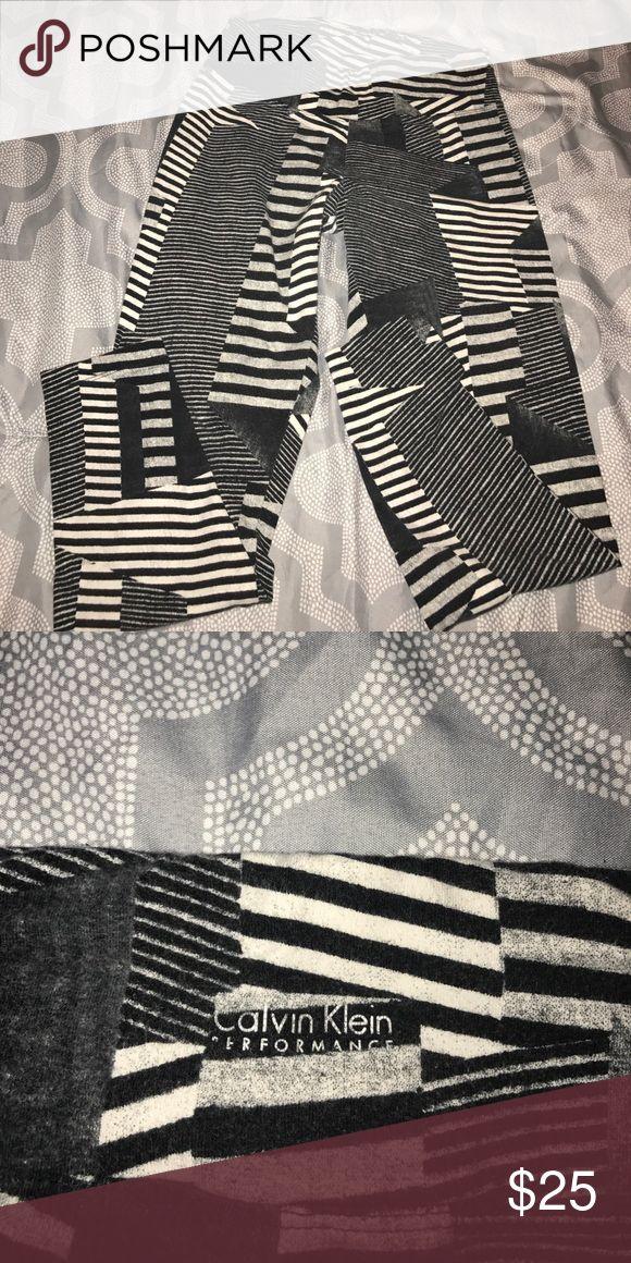 Tribal Print Leggings Super fun black and white printed leggings from Calvin Klein Performance collection... Calvin Klein Collection Pants Leggings