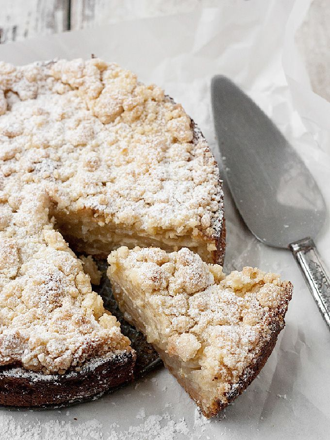 Recipe: A layered dessert with shortbread crumbles, tender apples and a creamy brown-sugar sauce.