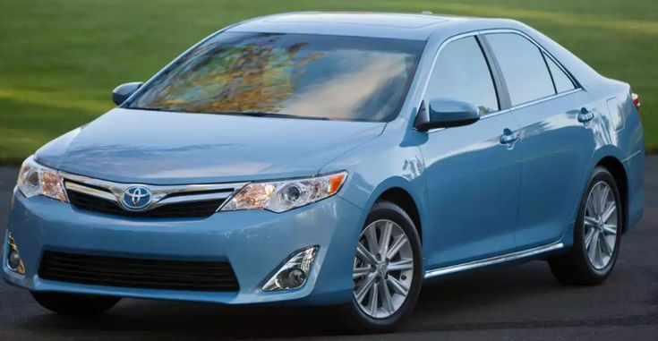 2014 Toyota Camry Owners Manual –The Toyota Camry is not merely America's greatest-offering midsize sedan, it is been the greatest-marketing passenger car of any size for the earlier 11 years direct, and also for 15 of the final 16 many years. Camry sales topped 10 million in 2013, co...