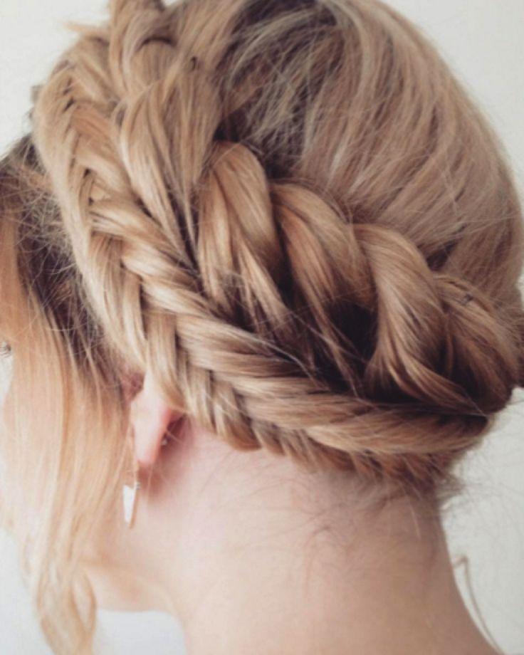 Double plait wedding hairstyle. Image: Instagram/@pancakes_and_plaits #weddinghair #braid #plait