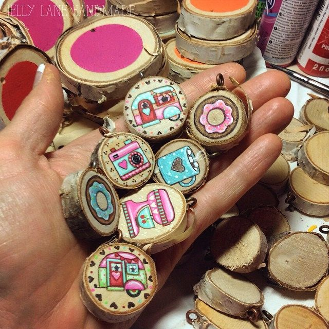 not a very halloweeny picture on this halloween eve, but I did paint halloween costumes today too-pics coming tomorrow! #handpainted #handmade #woodslicenecklace #woodslices #tinyart #tinypaintings #vintagemixer #retrocamper #donutnecklace #jellylanehandm | by Jelly Lane Studios