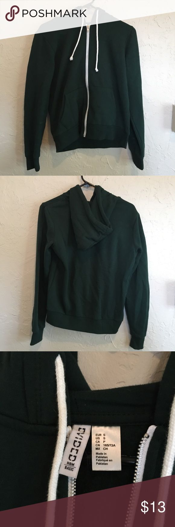 H&M dark green zip up hoodie small H&M dark green zip up hoodie small H&M Sweaters