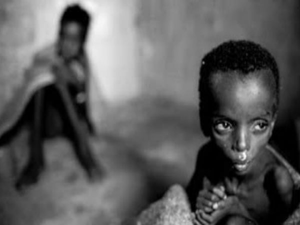 Kevin Carter. Ph-y & Death. South Sudan, Crying for help