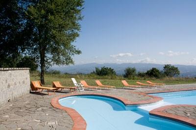 vista piscina estate 2012 . Le Querce