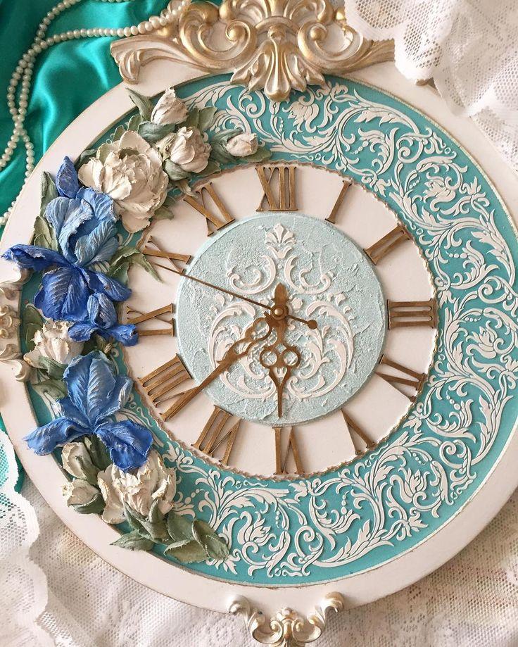 Доброе утро! Несколько дней буду Вам показывать эти часы -Барокко Turquoise Iris 59x50cm. #скульптурнаяживопись #рельефнаяживопись #объемнаяживопись #обьемнаяживопись #мкскульптурнаяживопись #мк#декоративнаяштукатурка #бирюза #ирис#turquoise #часыручнойработы #ручнаяработа #часынастенные #handmade #design #decor #provance #