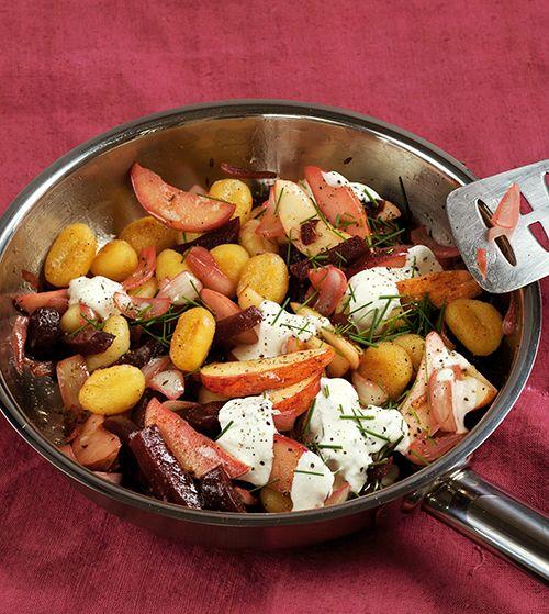 Rote Bete-Gnocchi-Pfanne mit Meerrettich-Dip   Blog Köstlich Vegetarisch