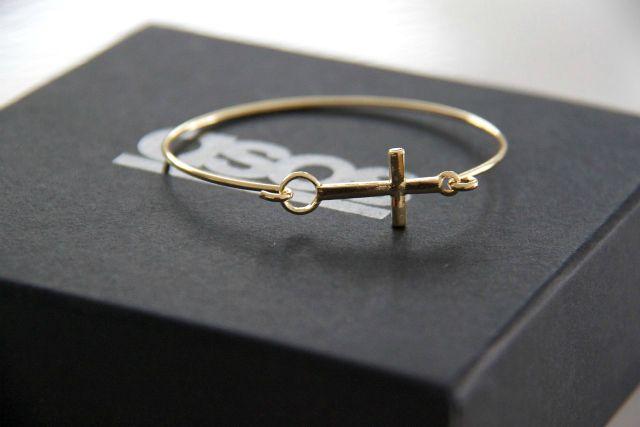 Cross bracelet #style #fashion #accessories #jewelry #bracelet #crosses