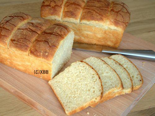 Japans melkbrood met een kookstuk, recept, brood bakken, zelf maken. diy, zacht witbrood, brioche, bron Beste broodrecepten wereldwijd, Rebo, 9789036634779.