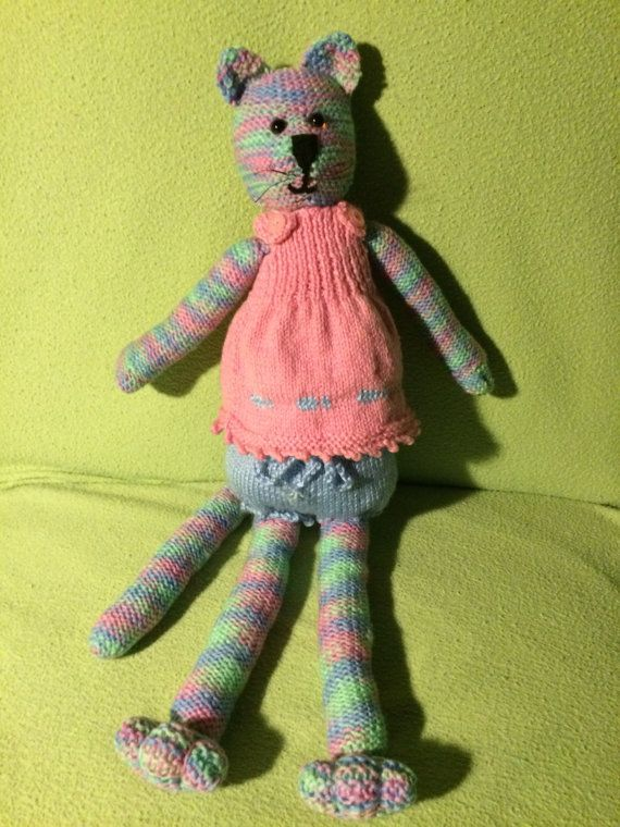 Check out this item in my Etsy shop https://www.etsy.com/au/listing/386807016/rainbow-kitty
